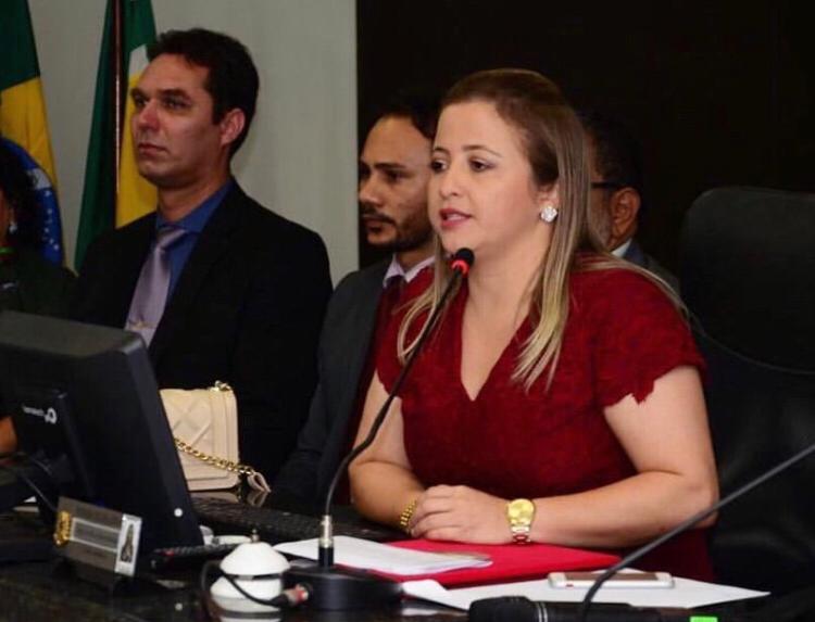 Mensagem da presidente da Câmara Municipal de Vereadores de Piripiri, Nayla Barbosa